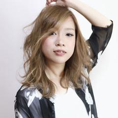 ハイトーン 外国人風 ミディアム ハイライト ヘアスタイルや髪型の写真・画像