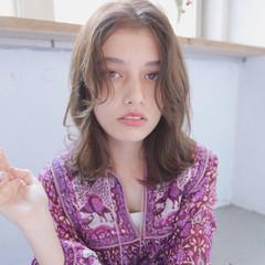ガーリー アンニュイ 外国人風 ゆるふわ ヘアスタイルや髪型の写真・画像