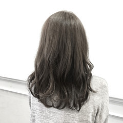 外国人風カラー ミディアム アッシュ グラデーションカラー ヘアスタイルや髪型の写真・画像