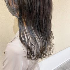 オリーブカラー グレージュ ナチュラル ミディアム ヘアスタイルや髪型の写真・画像