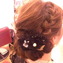 編み込み ヘアアレンジ 大人かわいい ナチュラル ヘアスタイルや髪型の写真・画像