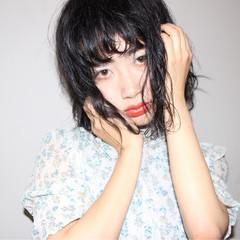 ヘアメイク リラックス アンニュイ ストリート ヘアスタイルや髪型の写真・画像