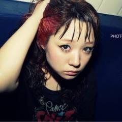 ストリート セミロング オン眉 レッド ヘアスタイルや髪型の写真・画像