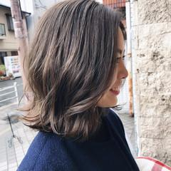 こなれ感 ウェーブ 切りっぱなし 外ハネ ヘアスタイルや髪型の写真・画像