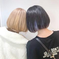 ショートボブ インナーカラー フェミニン ボブ ヘアスタイルや髪型の写真・画像