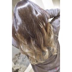 ホワイトベージュ グラデーションカラー ホワイト ロング ヘアスタイルや髪型の写真・画像