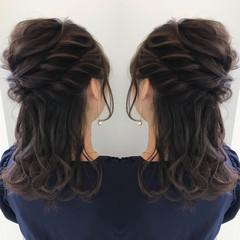 簡単ヘアアレンジ ミディアム フェミニン デート ヘアスタイルや髪型の写真・画像