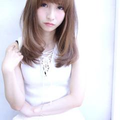 前髪あり 大人かわいい セミロング ナチュラル ヘアスタイルや髪型の写真・画像