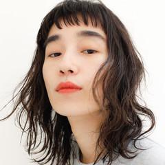 ミディアム ミディアムレイヤー オン眉 透明感 ヘアスタイルや髪型の写真・画像