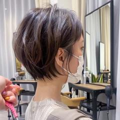 アッシュベージュ ショートヘア ショート ミルクティーベージュ ヘアスタイルや髪型の写真・画像