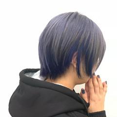 ブリーチカラー モード ショート シルバー ヘアスタイルや髪型の写真・画像
