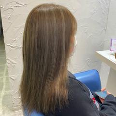 ホワイトハイライト ナチュラル 大人ハイライト セミロング ヘアスタイルや髪型の写真・画像