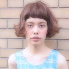 ナチュラル パーマ くせ毛風 ショートバング ヘアスタイルや髪型の写真・画像