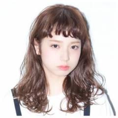 ガーリー ウェットヘア ストリート セミロング ヘアスタイルや髪型の写真・画像