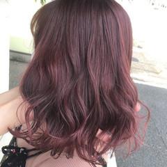 ピンク ダブルカラー ブリーチカラー フェミニン ヘアスタイルや髪型の写真・画像