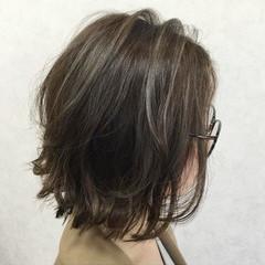 ミディアム ローライト 3Dハイライト ナチュラル ヘアスタイルや髪型の写真・画像