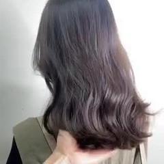 ガーリー 極細ハイライト ミディアム 大人ハイライト ヘアスタイルや髪型の写真・画像