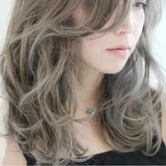 セミロング グラデーションカラー 外国人風 ハイライト ヘアスタイルや髪型の写真・画像