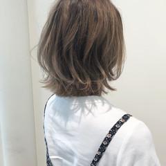 外ハネ ハイトーン ストリート ハイライト ヘアスタイルや髪型の写真・画像