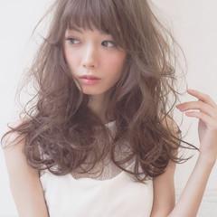 パーマ フェミニン ゆるふわ ロング ヘアスタイルや髪型の写真・画像