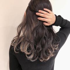 インナーカラーグレージュ インナーカラー インナーピンク ロング ヘアスタイルや髪型の写真・画像
