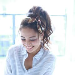 ヘアアレンジ フェミニン ピュア バンダナ ヘアスタイルや髪型の写真・画像
