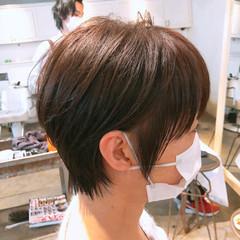 切りっぱなしボブ ショート モード インナーカラー ヘアスタイルや髪型の写真・画像