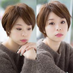 前髪あり レイヤーカット 大人かわいい ショート ヘアスタイルや髪型の写真・画像
