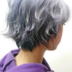 ブリーチ必須 ウルフカット ホワイトブリーチ ショート ヘアスタイルや髪型の写真・画像