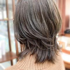 ミディアム ショートレイヤー 美シルエット ウルフカット ヘアスタイルや髪型の写真・画像