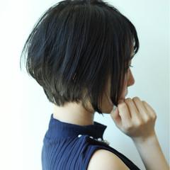 エフォートレス 小顔 ショートバング フェミニン ヘアスタイルや髪型の写真・画像