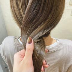 ロング ナチュラル ダブルカラー ハイトーンカラー ヘアスタイルや髪型の写真・画像