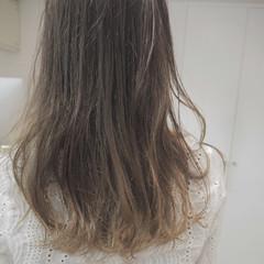 ロング 外国人風 イルミナカラー 透明感 ヘアスタイルや髪型の写真・画像