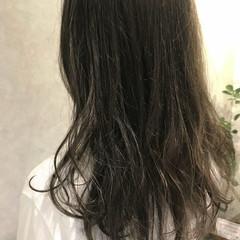 グレージュ ブラウンベージュ ロング アッシュベージュ ヘアスタイルや髪型の写真・画像