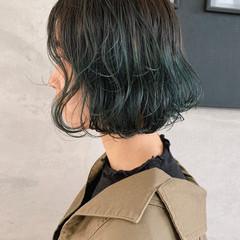 ボブ カーキアッシュ グリーン 簡単スタイリング ヘアスタイルや髪型の写真・画像