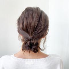 お団子アレンジ ナチュラル デート ヘアアレンジ ヘアスタイルや髪型の写真・画像