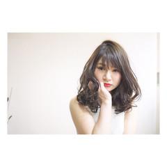 外国人風 大人かわいい フェミニン アッシュ ヘアスタイルや髪型の写真・画像