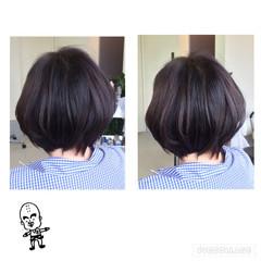ナチュラル ショート アッシュ 暗髪 ヘアスタイルや髪型の写真・画像