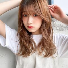 パーマ レイヤーカット ミディアム ゆるふわパーマ ヘアスタイルや髪型の写真・画像