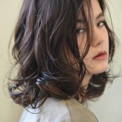 ミディアム ロブ 透明感 インナーカラー ヘアスタイルや髪型の写真・画像