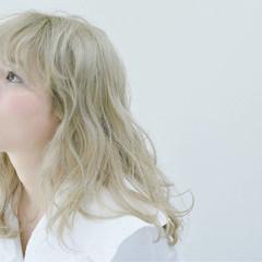 ガーリー ハイライト グレージュ グラデーションカラー ヘアスタイルや髪型の写真・画像