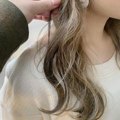 インナーカラー ベージュ 簡単ヘアアレンジ ロング ヘアスタイルや髪型の写真・画像