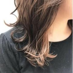 透明感 インナーカラー ガーリー ゆるふわ ヘアスタイルや髪型の写真・画像