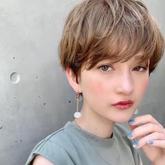 パーマ アウトドア オフィス ヘアアレンジ ヘアスタイルや髪型の写真・画像