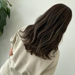 ロング バレイヤージュ ハイライト 大人ハイライト ヘアスタイルや髪型の写真・画像
