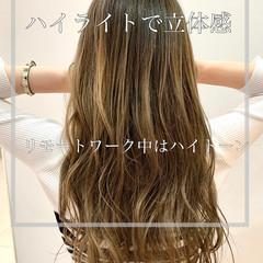 ナチュラル 大人ハイライト 3Dハイライト ベージュ ヘアスタイルや髪型の写真・画像
