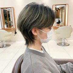 ショートヘア マッシュウルフ ネオウルフ ウルフカット ヘアスタイルや髪型の写真・画像