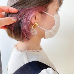 切りっぱなしボブ インナーカラー ナチュラル ミニボブ ヘアスタイルや髪型の写真・画像