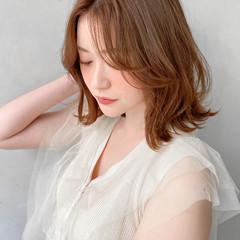 くびれカール 流し前髪 ゆるふわパーマ パーマ ヘアスタイルや髪型の写真・画像