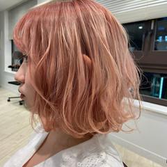 ボブ ピンクベージュ ピンクアッシュ ハイトーンカラー ヘアスタイルや髪型の写真・画像